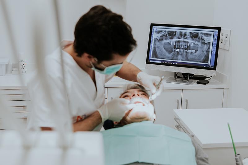Morales Cervera centro de implantología de calidad